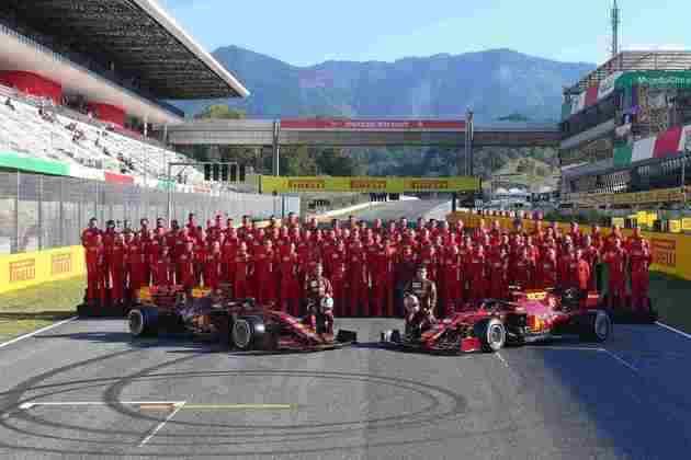 A Ferrari comemora 1000 GPs na Fórmula 1 neste fim de semana e tirou foto especial para celebrar