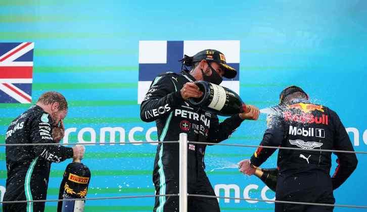 A festa dos pilotos no pódio do GP da Espanha