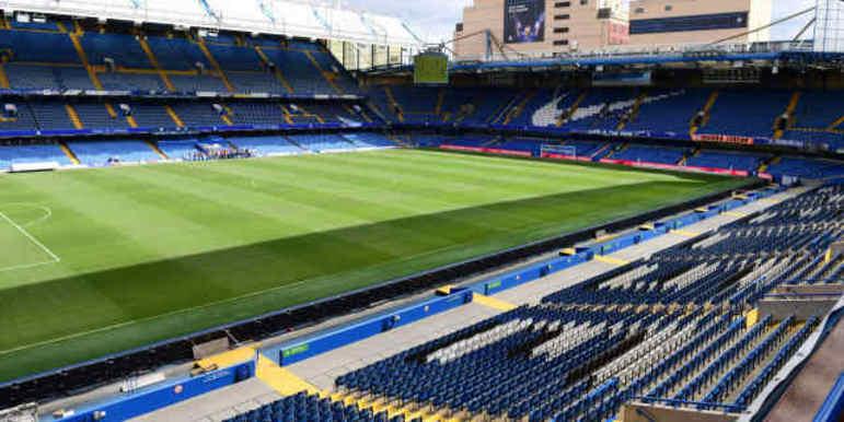 A Fifa puniu também o Chelsea. Os Blues teriam violado as regras para assinar com jogadores que têm menos de 18 anos. Como punição, foi obrigado a ficar fora do mercado de transferências de 2019 e 2020. Os ingleses ainda foram multados em R$ 2,25 milhões