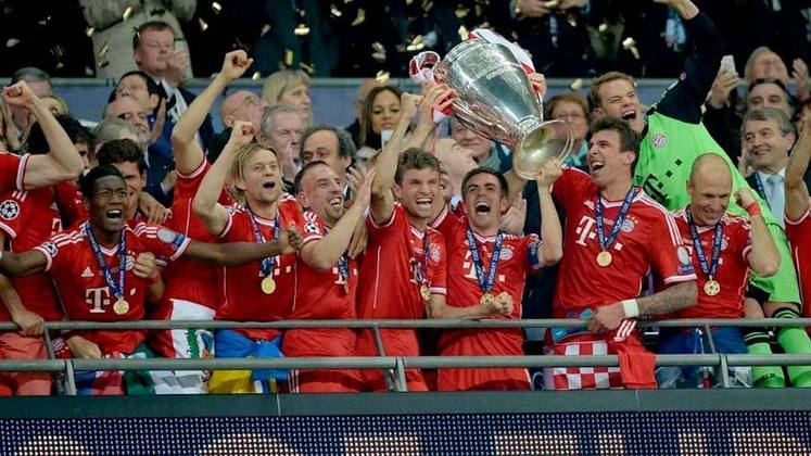 A final da Champions League da temporada 2012/2013 foi disputada entre Borussia Dortmund e Bayern de Munique, com esta última sendo campeã no Wembley, em Londres, após vitória por 2 a 1.
