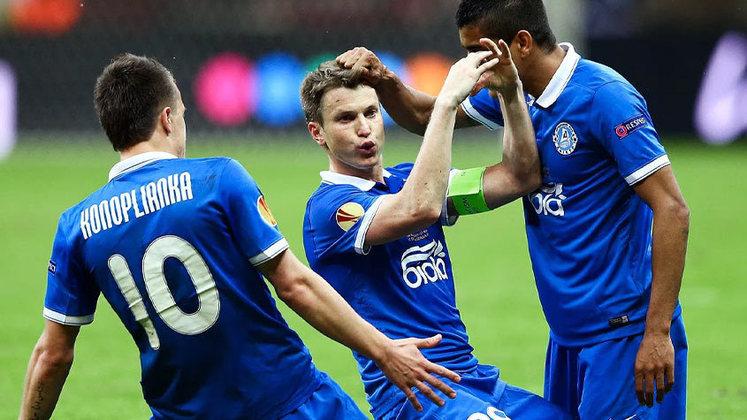 A final da Liga Europa da temporada 2014-15 teve um nome pouco conhecido no cenário futebolístico. O Dnipro, da Ucrânia, não ficou com o título do torneio diante do Sevilla, mas ficou em segundo de seu grupo (atrás da Internazionale) e eliminou Olympiakos, Ajax, Brugge e Napoli no mata-mata.