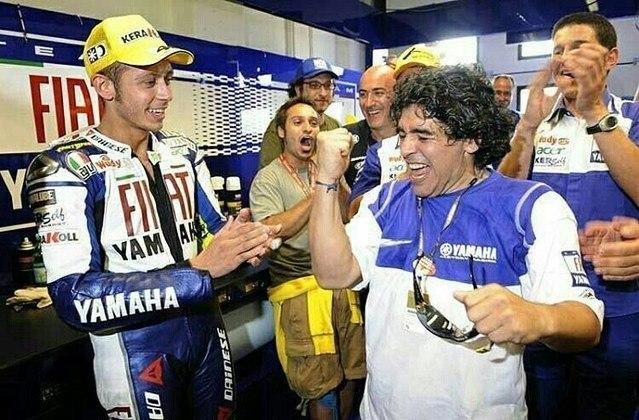A forte identificação de Maradona com a Itália aproximou o craque de Valentino Rossi