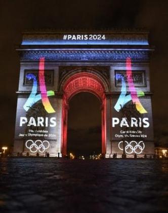A França abrigou duas vezes a competição esportiva, ambas em Paris: a segunda edição da era moderna, em 1900, e em 1924. Em 2022, a capital francesa será sede pela terceira vez na história