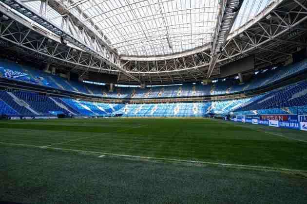 A Gazprom Arena, com capacidade para 69 mil pessoas, terá 50% da capacidade liberada para o público (34 mil pessoas). Receberá jogos da fase de grupos e das quartas de final.