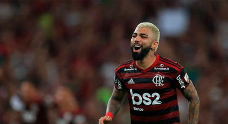 A goleada ficou marcada para sempre na história dos dois times. Depois de empatar e 1x1 em Porto Alegre, o Flamengo não tomou conhecimento e passou por cima do Grêmio, aplicando 5 a 0. Destaque para Gabigol, que marcou dois gols na partida.