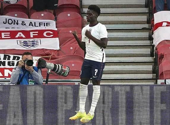 A grande geração inglesa continua com Bukayo Saka. Aos 19 anos, ele tornou-se uma das grandes peças do Arsenal. Foi dele o gol que garantiu a vitória da Inglaterra no amistoso contra a Áustria