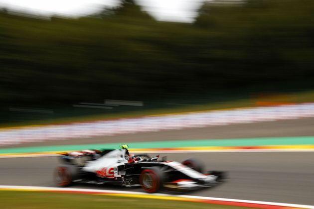 A Haas teve problemas no primeiro dia de treinos e ficou no fim da tabela de tempos