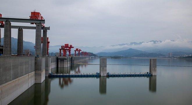 A hidrelétrica de Três Gargantas tem a maior represa artificial do mundo