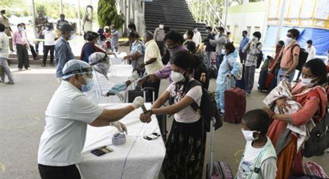 A Índia, segundo país mais populoso do mundo, continua em plena crise de saúde pela pandemia