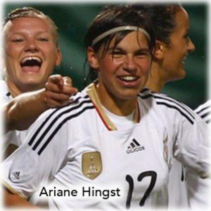 A jogadora alemã Ariane Hingst tem três medalhas de bronze pela seleção do seu país em Jogos Olímpicos. O terceiro lugar consecutivo foi obtido nos Jogos de 2000, 2004 e 2008.