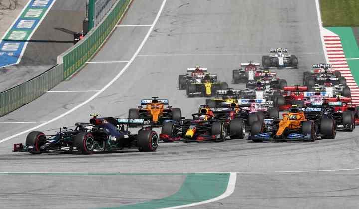A largada para o GP da Áustria aconteceu sem grandes problemas