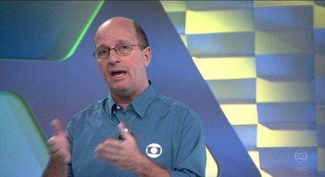 A ligação de Marcos Uchôa com o esporte começou ainda na Rede Manchete e prosseguiu em programas da Rede Globo e coberturas de grandes eventos. Depois, o jornalista foi correspondente internacional e abrangeu outras áreas.