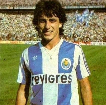 A Lusa também mirou Paulo Futre em 1998. A Federação Paulista até ajudou, mas o salário do meia-atacante era muito alto e as negociações não deram certo. O Santos também negociou com o jogador, mas acabou igualmente frustrado.