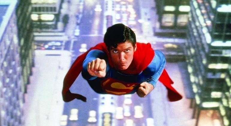 Christopher Reeve como Superman no filme de 1978, dirigido por Donner