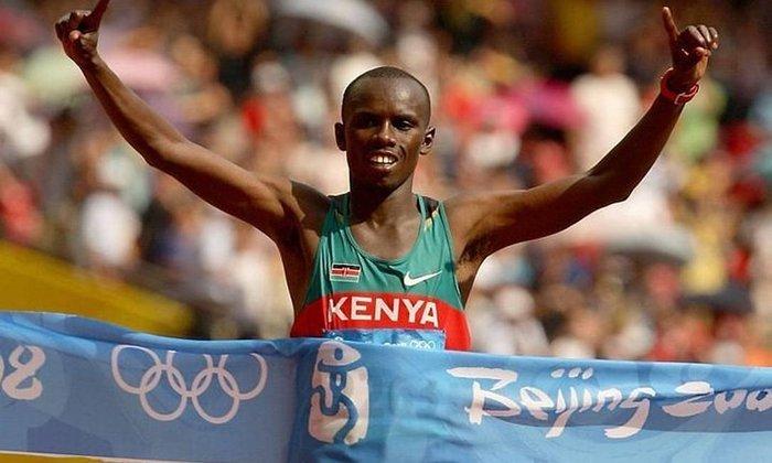 A maratona, prova que encerra os Jogos Olímpicos, tem como recordista Samuel Wanjiru. O atleta queniano completou a prova em Pequim 2008 em 2h6min32s, estabelecendo novo índice.
