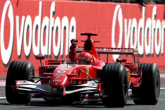 A marca de Prost demorou mais um tempo até ser superada. Após anos títulos na Benetton, o piloto alemão foi para a Ferrari e iniciou o domínio da dupla na F1