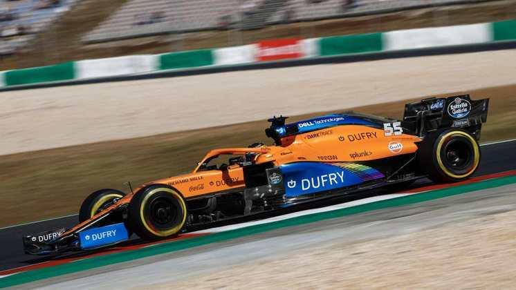 A McLaren andou bem no primeiro dia de treinos, com os dois pilotos no top-5