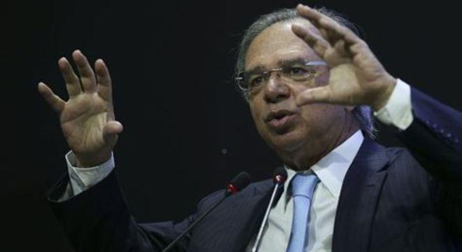 Ministro Paulo Guedes pede que contatos desconsiderem mensagens