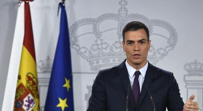 A medida, que permite reuniões de até 10 pessoas além de velórios e enterros, ainda não inclui Madri e Barcelona