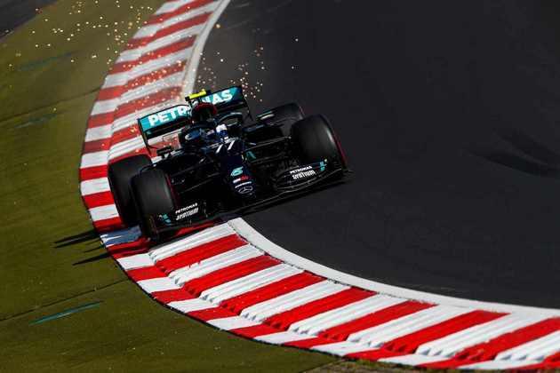 A Mercedes anotou as 11 pole-positions de 2020. 3 delas com Bottas