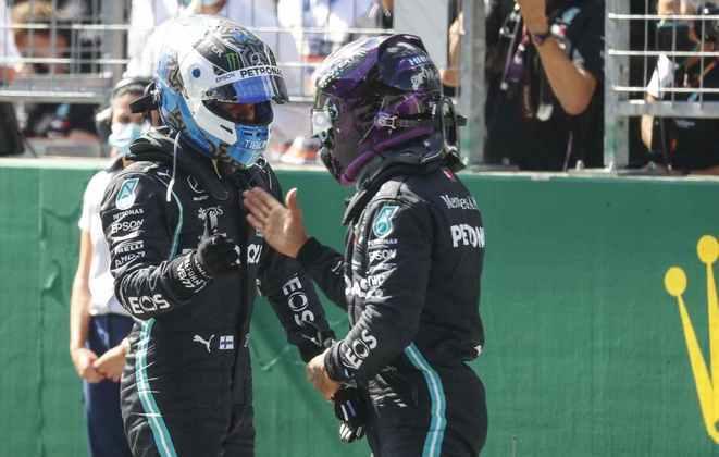 A Mercedes confirmou o favoritismo e fechou a primeira fila do grid para o GP da Áustria