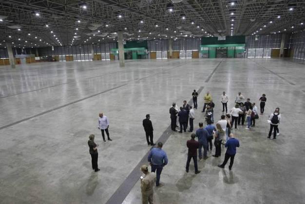 A montagem de um hospital temporário com 500 leitos no mesmo pavilhão do Riocentro onde foram disputadas as competições de tênis de mesa nos Jogos Olímpicos e Paralímpicos do Rio, em 2016, também está a todo vapor.