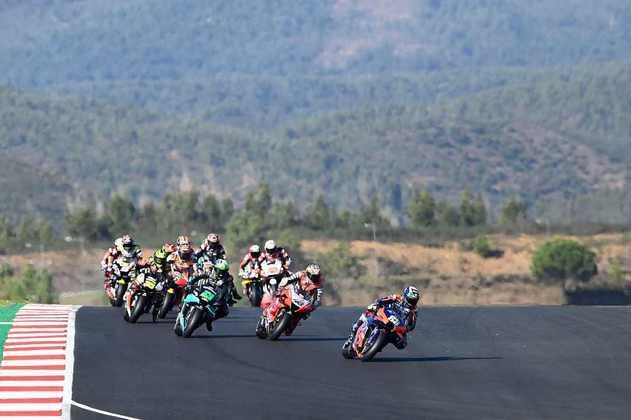 A MotoGP realizou o GP de Portugal, última etapa de 2020. Confira as imagens