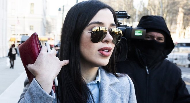 A mulher de Guzmán, Emma Coronel, foi ao julgamento