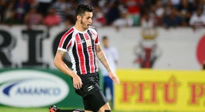 A negociação está sendo intermediada pelo patrocinador master do clube, a empresa de apostas esportivas Estadium Bet