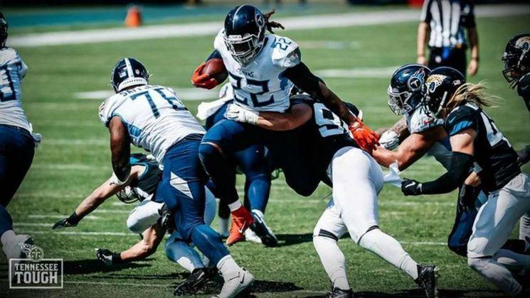 A NFL anunciou nesta quarta-feira que o jogo entre Titans e Steelers, que aconteceria no próximo domingo, no Nissan Stadium, em Nashville, foi adiado devido aos múltiplos casos positivos de Covid-19 detectados na franquia do Tennessee. Foram quatro casos diagnosticados.