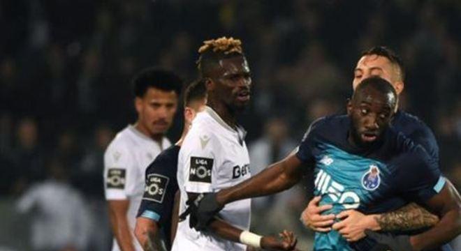 A partida teve continuidade, com vitória do Porto por 2x1, pelo Campeonato Português