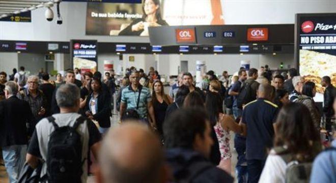 A partir de agora, quem retornar de viagem poderá gastar até US$ 1 mil nas lojas localizadas nos aeroportos