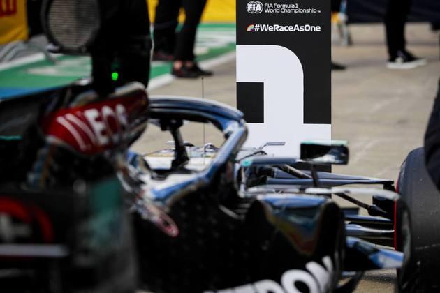 A pole position para o GP da Inglaterra ficou com Lewis Hamilton, a 91ª vez na Fórmula 1