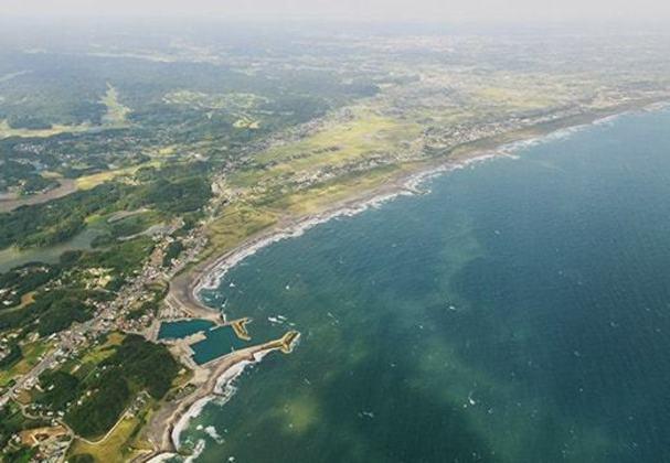 A praia de Tsurigasaki receberá as disputas de surfe, modalidade que fará sua estreia em Jogos Olímpicos. A praia fica localizada na cidade de Ichinomiya, na costa do Pacífico de Chiba.