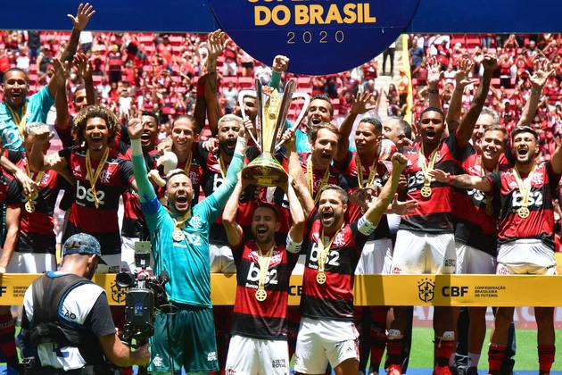 A primeira conquista do ano foi o da Supercopa do Brasil. No Estádio Mané Garrincha, o Flamengo venceu o Athletico por 3 a 0 e faturou o título inédito.