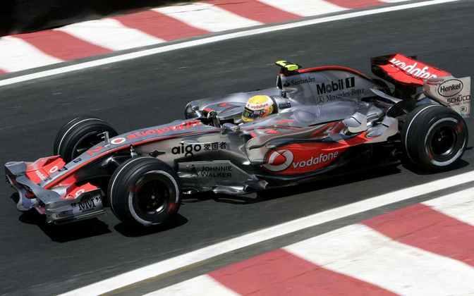 A primeira é o McLaren MP4/22. Foram quatro vitórias no ano de estreia de Hamilton, em 2007, e o vice-campeonato mundial