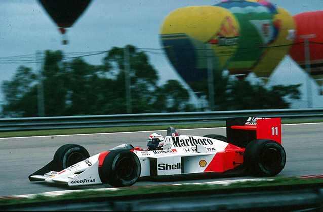 A primeira vitória da Honda com a McLaren foi com Alain Prost, no GP do Brasil de 1988