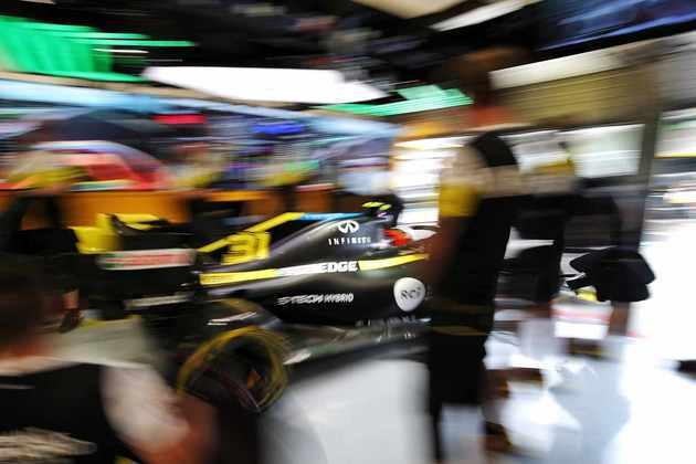 A Renault foi bem no TL1, mas não teve tempos marcados na tarde húngara