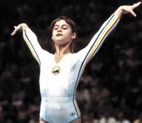 A romena Nadia Comaneci entrou para a história olímpica em 1976, nos Jogos de Montreal. Foi a primeira ginasta a receber nota 10. Ela arrebatou nove medalhas olímpicas, sendo cinco de ouro