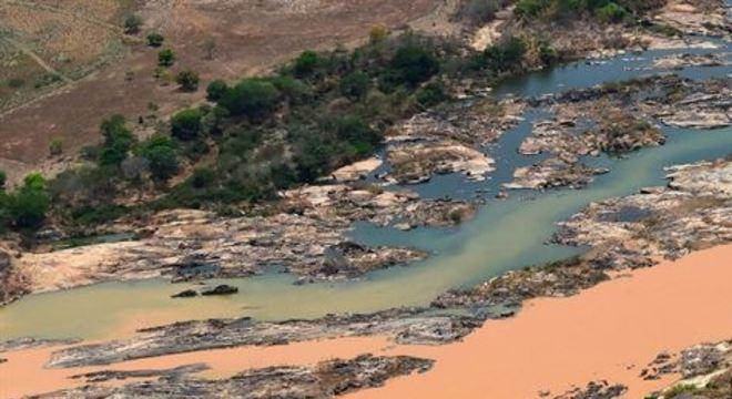 A Samarco é controlada pela mineradora anglo-australiana BHP Billiton e pela Vale, dona de outra barragem rompida na mesma região neste ano, em Brumadinho