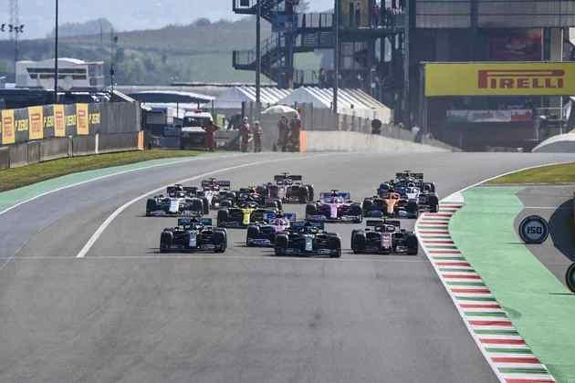 A segunda largada do acidentado GP da Toscana