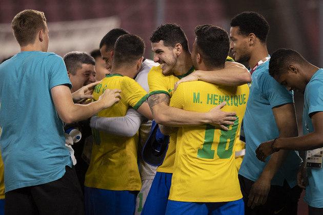 A Seleção masculina de futebol decide o ouro a partir das 8h30, contra a Espanha.
