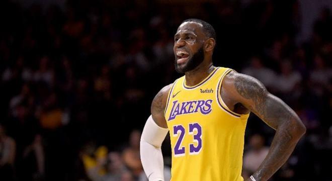 A temporada 2019-2020 da NBA, maior liga de basquete do mundo, está cada vez mais distante de ser retomada.Segundo o jornalista Brian Windhorst, da ESPN, as chances do cancelamento completo aumentaram muito.