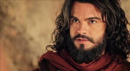 Sidney Sampaio é o protagonista de 'A Terra Prometida'