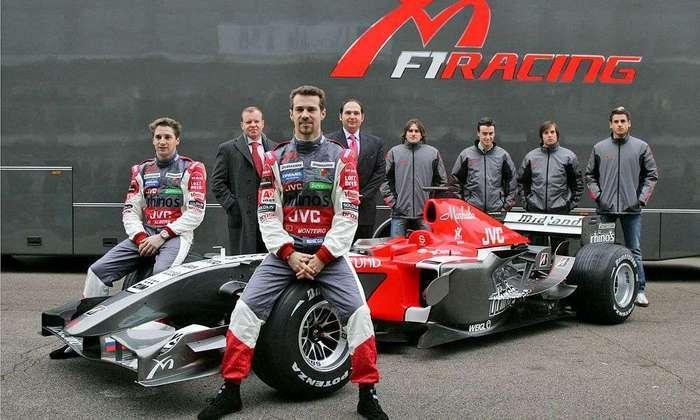 A Toro Rosso, em sua primeira temporada na Fórmula 1, tinha Vitantonio Liuzzi e Scott Speed como titulares.