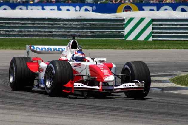 A Toyota começou 2004 com o modelo TF104, mas sem bom rendimento. Por isso, decidiu fazer mudanças a partir do GP da Alemanha