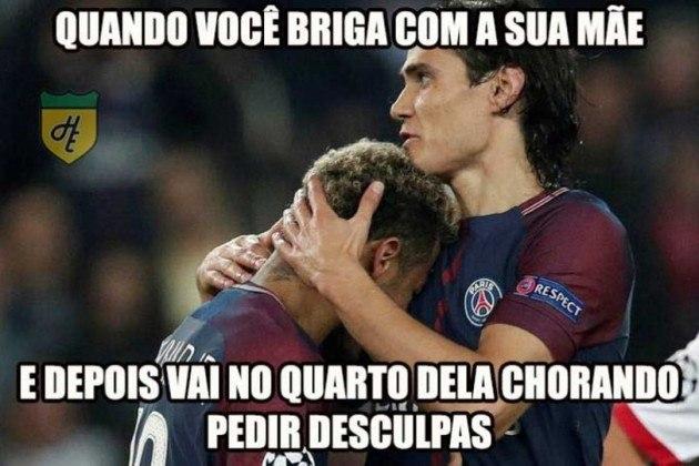 A treta entre Cavani e Neymar rendeu memes nos primeiros meses da dupla no PSG