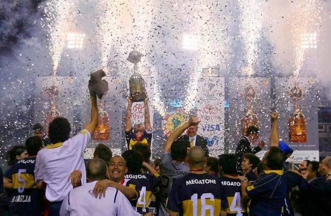 A última conquista da Libertadores pelo Boca foi em 2007 (representada pela imagem), quando venceu o Grêmio por 3 a 0, em La Bombonera, e 2 a 0, no antigo estádio Olímpico, em Porto Alegre. A equipe argentina já faturou a competição cinco vezes.