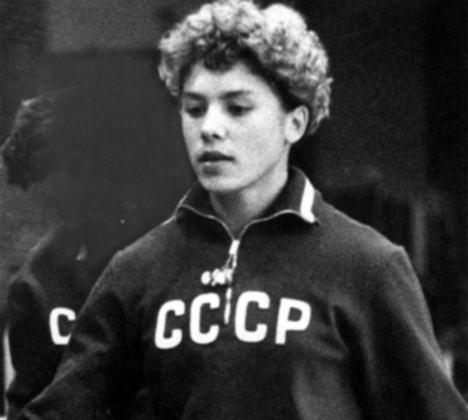 A União Soviética acabou em 1991, mas ainda é a segunda colocada no ranking dos países com mais medalhas: 1.010. A ginasta Larisa Latynina (foto) é a maior medalhista do antigo país, com 18 insígnias.