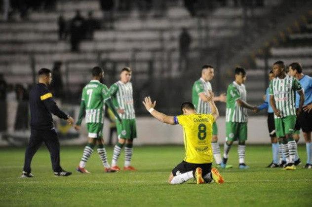 A vigésima terceira posição pertence ao Juventude, que sofreu 22 goleadas em 210 jogos no Brasileiro de pontos corridos.